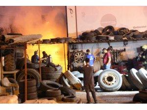 Muğla'da bir iş yeri saniyeler içinde küle döndü