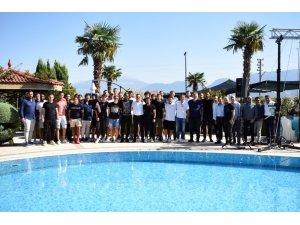 Denizlispor'da yönetim, teknik heyet ve futbolcular yemekte buluştu