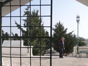 Müslüman mezarlığına çirkin saldırı