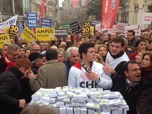 CHP'lilerden yolsuzluk protestosu