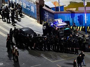Çin'de bıçaklı grup dehşet saçtı: 29 Ölü