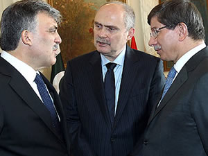 Gül, Davutoğlu ve Sinirlioğlu, Kırım'daki gelişmeleri görüştü