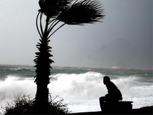 Kıyı Ege'de sağanak ve fırtına uyarısı