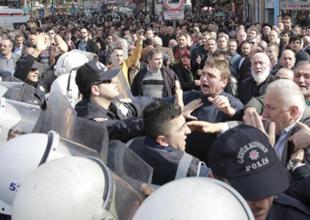 Aksaray'da HDP İl Binası açılış olaylarında gerginlilk