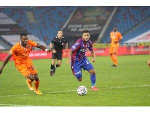 Süper Lig: Trabzonspor: 0 - Medipol Başakşehir: 1 (İlk yarı)
