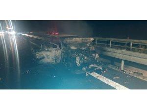 Zincirleme kazada 1 araç yandı