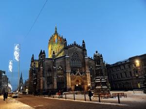 Bağımsızlık İskoçya'ya ekonomik istikarsızlık getirebilir