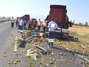 Düzce'de kamyonet, tankerle çarpıştı: 1 ölü
