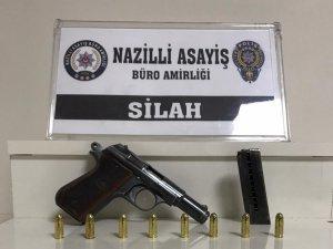 Nazilli'deki operasyonda 4 adet tabanca ele geçirildi