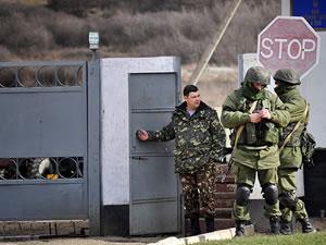 Kırım'da askeri hastane kuşatıldı
