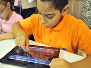 Öğrenci ve öğretmenlere 675 bin tablet dağıtılacak