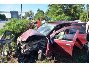 Kazada pert olan araçta burunları bile kanamadı