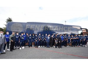 Fenerbahçeli taraftarların seçtiği takım otobüsünde 4 Nisan vurgusu