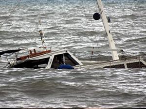 Datça'da kaçakları taşıyan tekne battı
