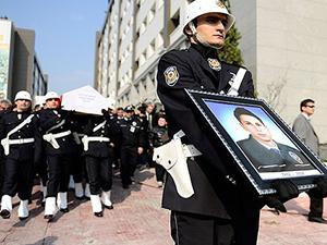 Şehit polis Taşdemir son yolculuğuna uğurlanıyor
