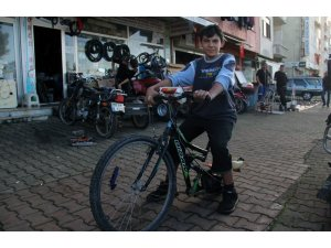 Ağaç motorundan moto-bisiklet yaptı