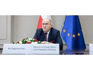 Polonya'da Dışişleri Bakanı Rau kendisini karantinaya aldı