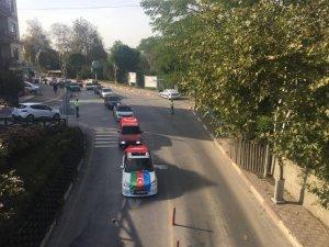 Modifiye araç tutkunlarından Azerbaycan'a destek konvoyu