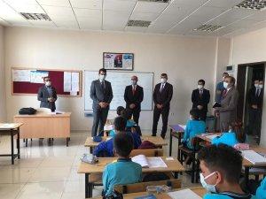 Kaymakam Köksal, okulları ziyaret etti