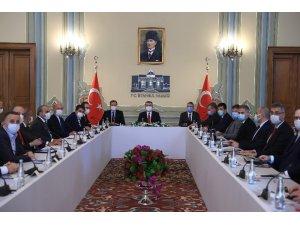 Sağlık Bakanı Koca, İstanbul'da yerel yöneticilerle bir araya geldi