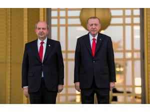 Cumhurbaşkanı Erdoğan, Ersin Tatar'ı resmi tören ile karşıladı