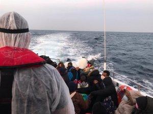 Yunanistan ölüme terk etti, Türk Sahil Güvenlik ekipleri kurtardı