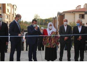 Cumhurbaşkanı Erdoğan'ın evine gelme sözü verdiği yaşlı kadının tek isteği fotoğraf