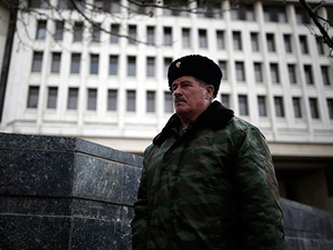 """Kırım'da Rusların """"demokrasi"""" oyunu"""