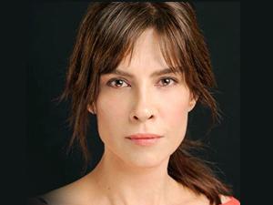 Tiyatrocu Tülay Günal sahneden düştü