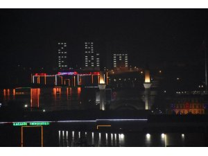 Yurt ışıkları 29 Ekim için yandı