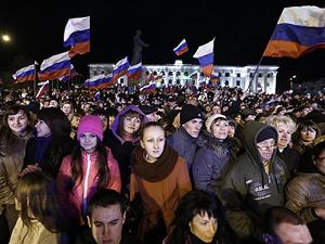 """Kırım'da halk Rusya için """"Evet"""" dedi"""