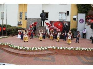 Gaziantep Kolej Vakfı'nda Cumhuriyet coşkusu