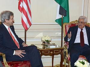 Kerry, Filistin Devlet Başkanı Abbas ile görüştü