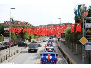 Çekmeköy'de 29 Ekim Cumhuriyet Bayramı Türk bayraklı konvoy ile kutlandı
