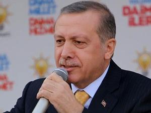 Başbakan Erdoğan mitinginde pankart şoku!