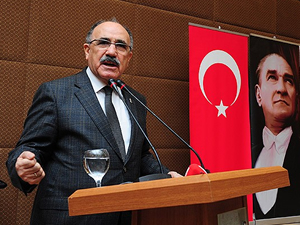 Beşir Atalay: Cumhurbaşkanı siyasi olacak
