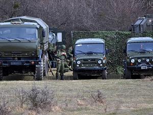 Kırım'da askeri üsse saldırı