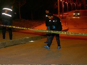 Alkollü sürücü polis aracına çarptı: 2 yaralı