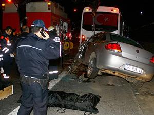İstanbul'da trafik kazası: 2 ölü, 1 yaralı