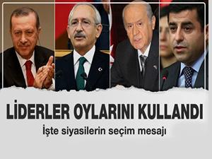 Siyasi liderler oylarını kullandı