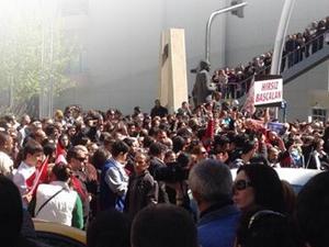 Ankara'da YSK önünde gergin bekleyiş!