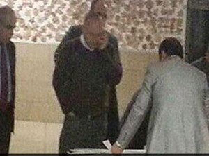 AB Bakanı Mevlüt Çavuşoğlu oy sayarken