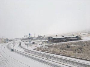 Erciyes Kayak Merkezi beyaza büründü