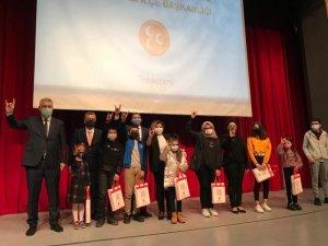 Milliyetçi Hareket Partisi'nden öğrencilere tablet desteği