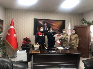 Jandarmadan 24 Kasım Öğretmenler Günü ziyareti