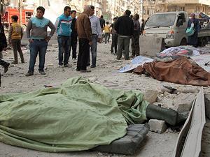 """Halep'te pazar yerine """"vakum bombalı"""" saldırı: 20 ölü"""