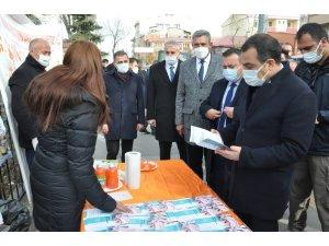 Kars'ta kadına şiddete dikkat çekildi