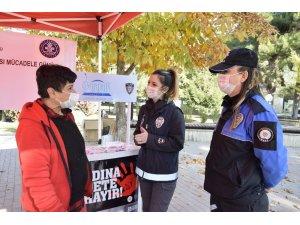 Burdur'da kadınlar KADES hakkında bilgilendirildi