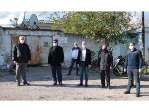 CHP'den genelev önünde basın açıklaması