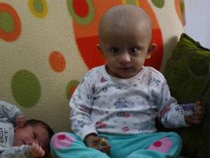 Henüz 11 aylık kanserle mücadele ediyor